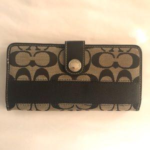 Coach wallet | snap close w/ zip, black & grey